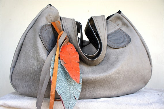 Muriel with Tote Straps in Pebble Gray Leather
