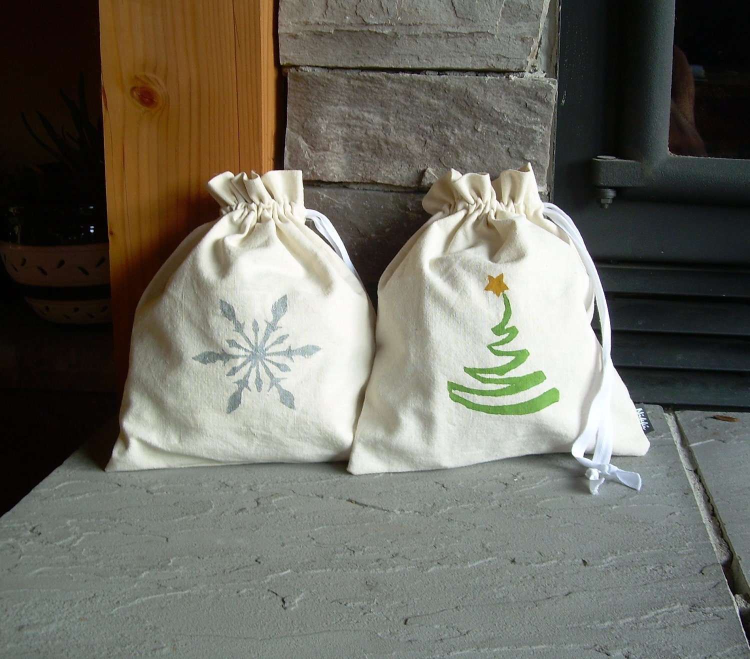 Large Christmas Gift Bag, Reusable, Hemp, Cotton, Linen, Organic from nikkidesigns on Etsy Studio