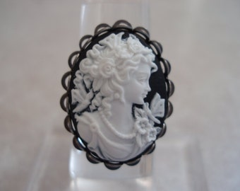 Adjustable White Lady in Black Cameo Ring