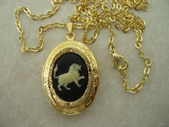 Leo Zodiac Cameo Locket Pendant with Gold Plated Chain