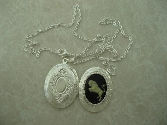 Taurus Zodiac Cameo Locket Pendant with Chain