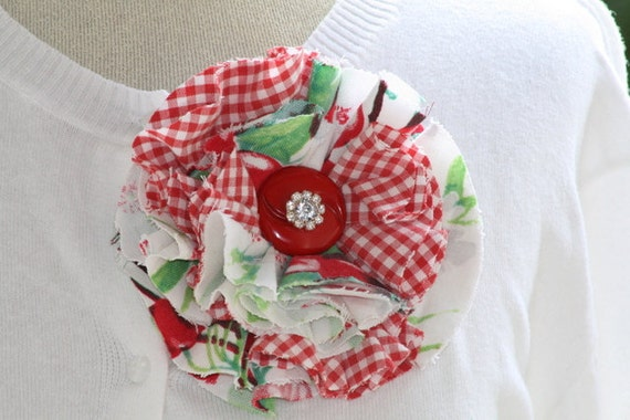 SuMMeR ReD CHeRRiES ViNTaGe TaBLECLoTH FaBRiC FLoWER PiN with RHiNeSToNE BuTToN