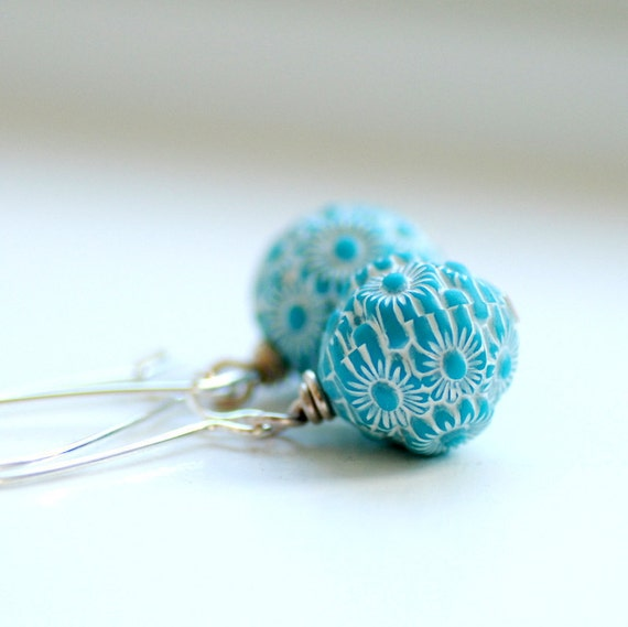 Mod Earrings, Sky Blue and White Earrings, Blue Daisy Etched Vintage Lucite and Silver Plated Earwires - Chantilly Lace