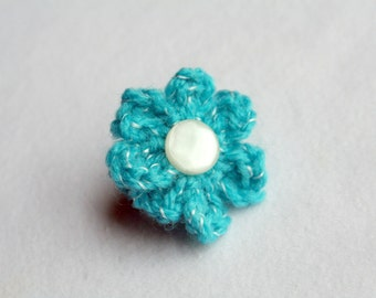 Bombshell Belle - Sea  Me - crocheted flower ring with vintage button
