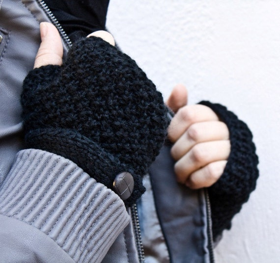 BLACK Fingerless gloves with a strap on