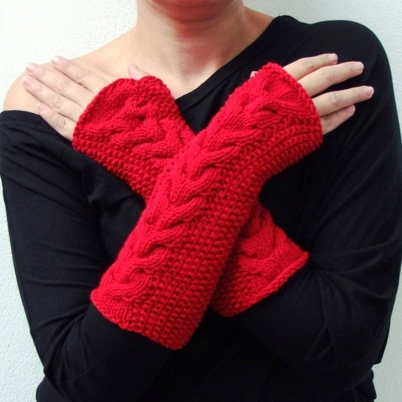 Knitted cabled fingerless gloves