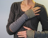 Fisherman's Daughter organic two tone fingerless gloves/ kelp nautical stripes