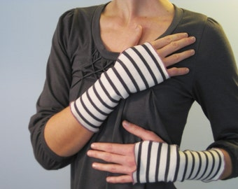Fisherman's Daughter organic ivory and charcoal stripe fingerless gloves