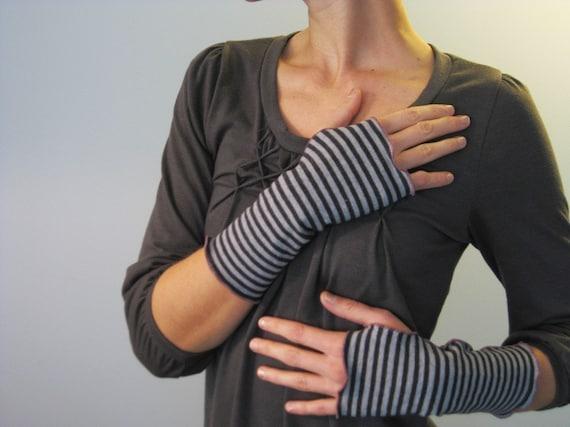 Fisherman's Daughter organic nautical stripe fingerless gloves