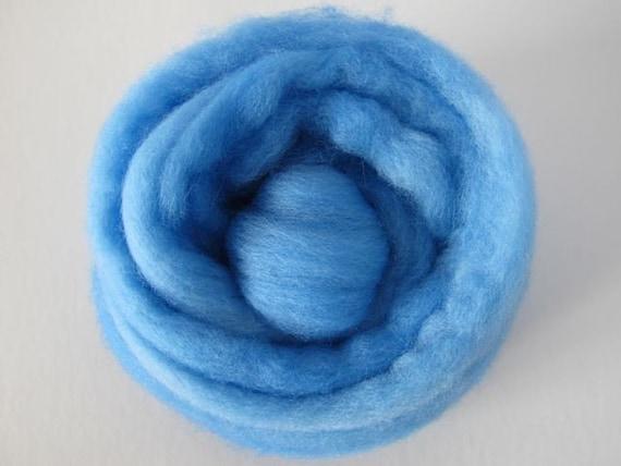 Roving Singles 1oz Soft Sapphire Falkland Wool Roving