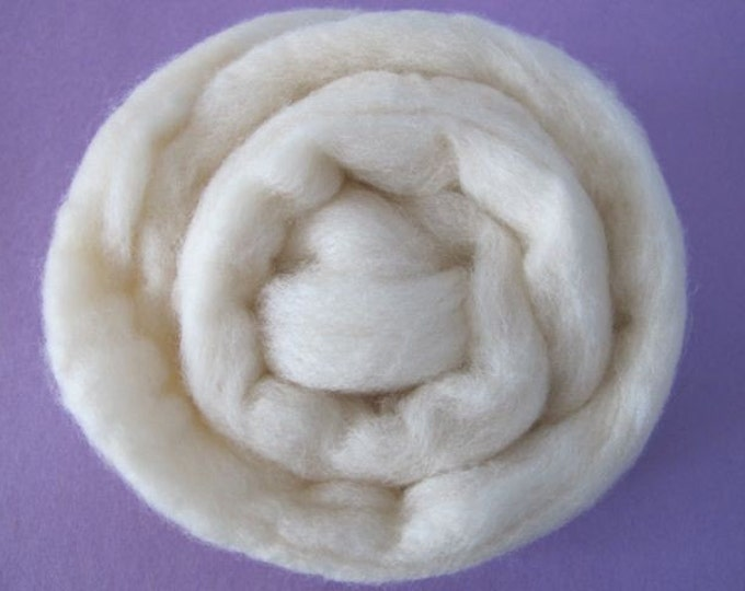 Roving Singles Skin Tones 1oz Porcelain Fair Merino (with a free sample of matching firestar)