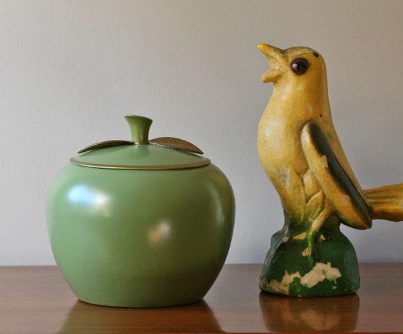 vintage avocado green apple canister xl. Black Bedroom Furniture Sets. Home Design Ideas