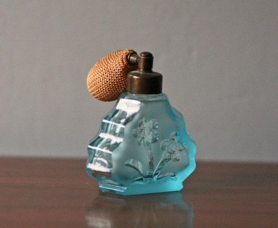 Vintage Light Blue Perfume Atomizer Bottle 4