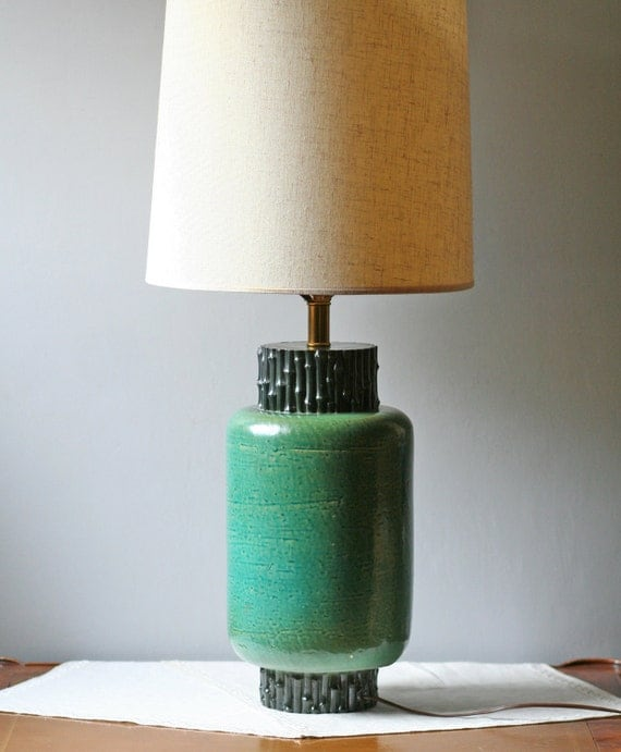 emerald green pottery table lamp / Hollywood Regency