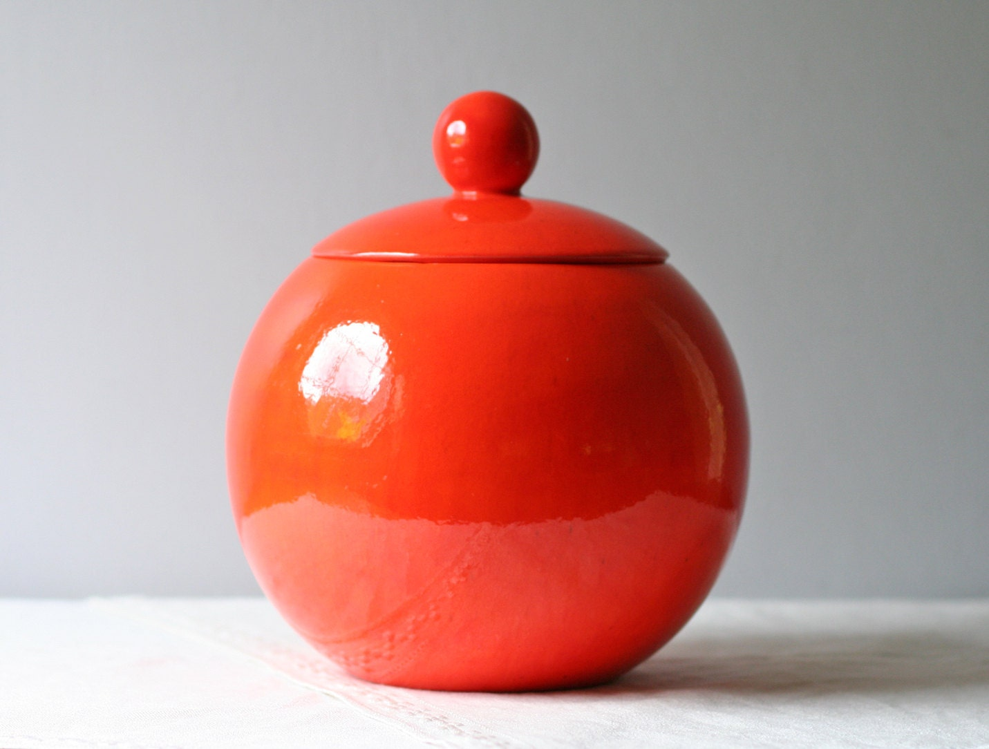 Large Vintage Round Red Ceramic Cookie Jar