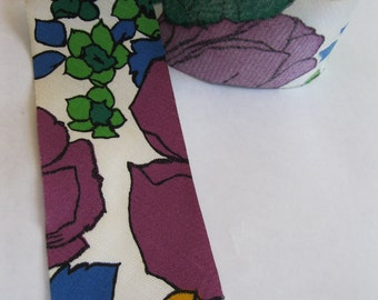 pretty 1970's bias cut extra wide binding or ribbon, 2 3/4 inch wide