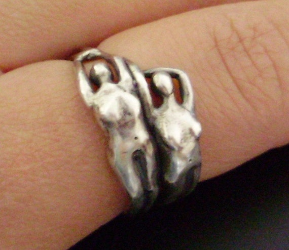 PRE-HOLIDAY SALE \/ Handsculpted, Cast 'Ladies' Ring (Size 6.5)