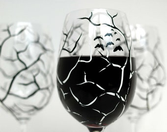 Spooky White and Black Halloween Trees - Set of 4 Hand Painted Wine Glasses, Halloween Glasses, Halloween Decor, Black and White Trees, Bats