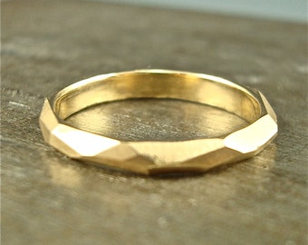 14k gold Chiseled Ring - 3mm wide