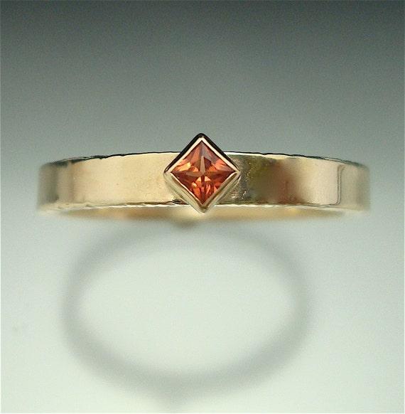 Golden Princess - sapphire ring