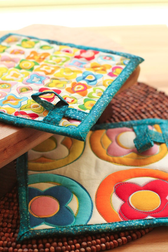 quilted pot holders - atomic candy - turquoise blue