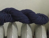 Bulky T-shirt Yarn, navy blue