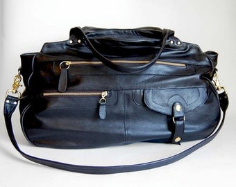 XL travel bag/carry-on bag in black - Cross body strap