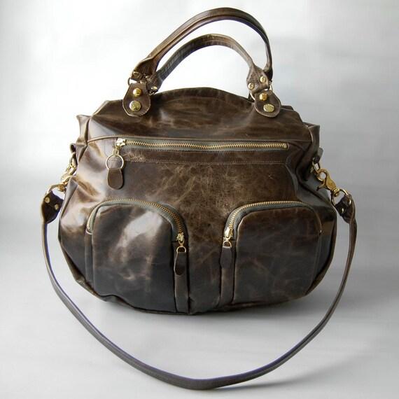 Shikotsu bag in distressed olive