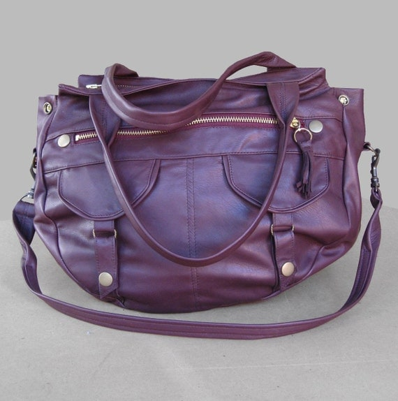5 pocket rounded travel bag - maroon - detachable carrying strap - RESERVED