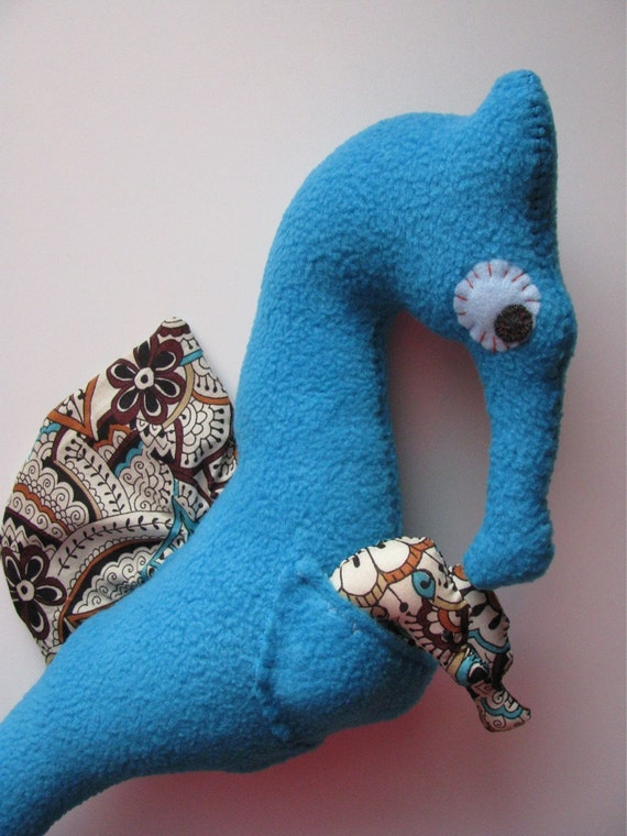 Eleuterio the Papa Seahorse with 2 bebes---  SALE