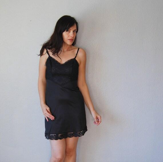 vintage VANITY FAIR slip / 1960s hot tin roof LOLITA  night dress / 34s lingerie