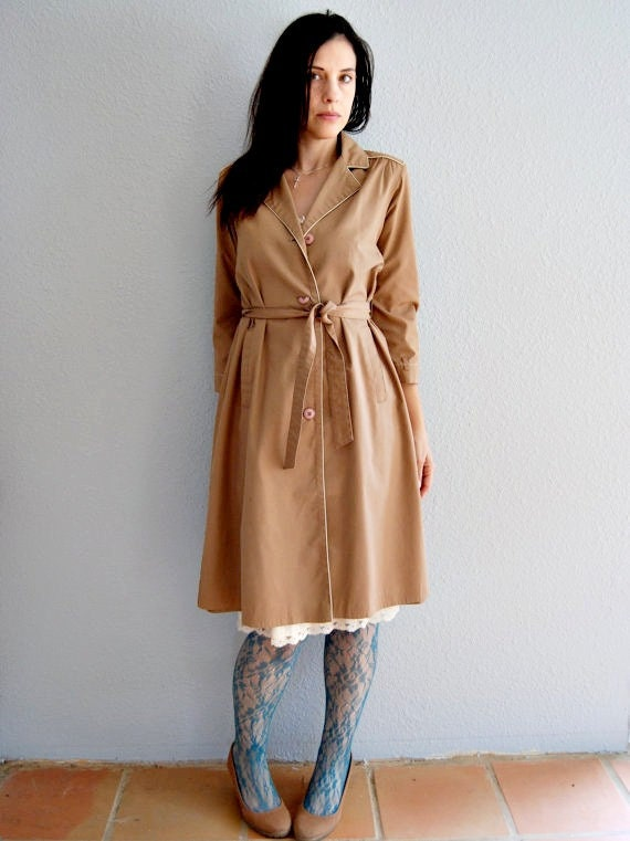 structured P R I N C E S S trench / beige with piping spy coat