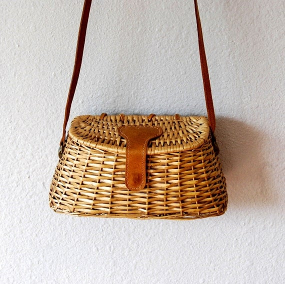 wicker BASKET  handbag / 1970s novely tote bag