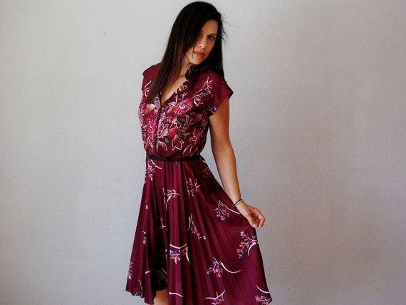 pleated FLORAL dress /  1970s merlot ACCORDIAN pleat dress