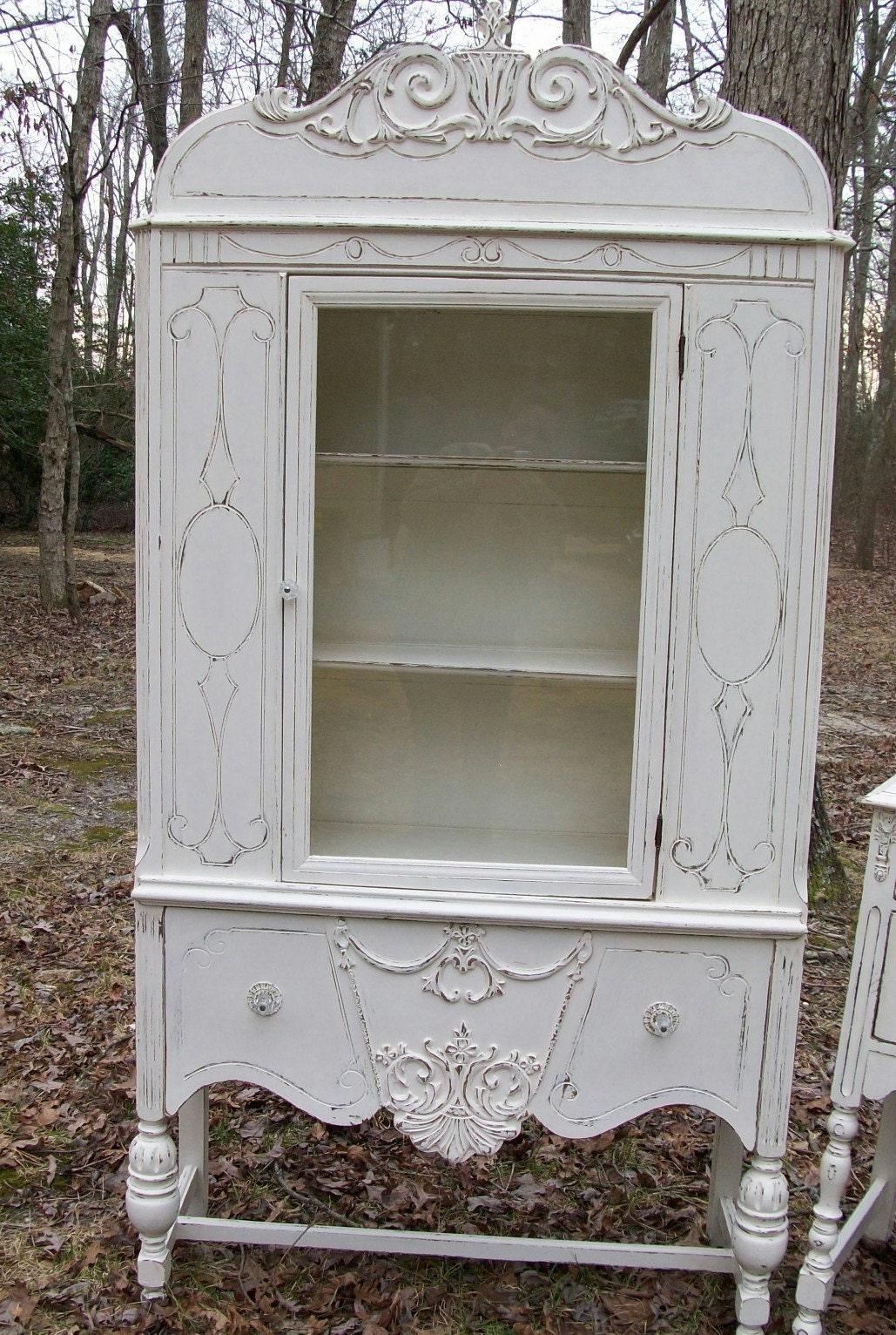 shabby cottage chic vintage 1930 39 s cream china cabinet. Black Bedroom Furniture Sets. Home Design Ideas