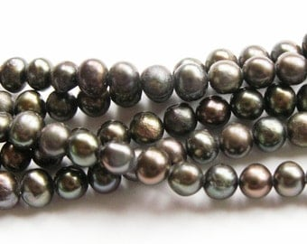 """Green Freshwater Pearls 4 mm Pearl Beads 16"""" Strand"""