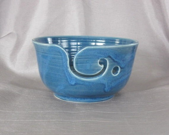 Yarn Bowl - Earthenware in Blue-Green, No-Name Glaze