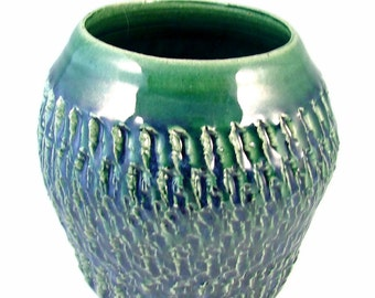 Emerald Green Vase - Handmade Ceramic Vase - Textured Pottery Art Vase / Wheel Thrown Stoneware Veaael / Ready to Ship