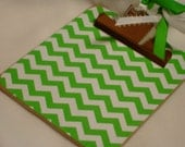 POST It NOTE magnetic CLIPBOARD Grass Green Chevron