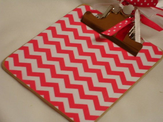 POST It NOTE magnetic CLIPBOARD Hot Pink Chevron