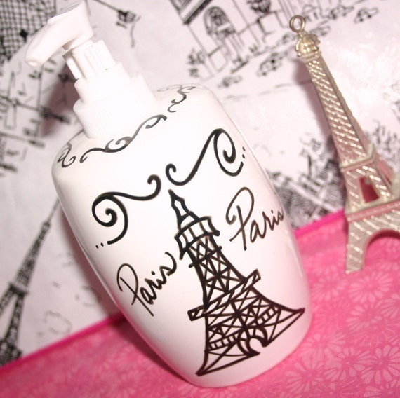 paris decor themed bathroom accessories by parischicboutique. Black Bedroom Furniture Sets. Home Design Ideas