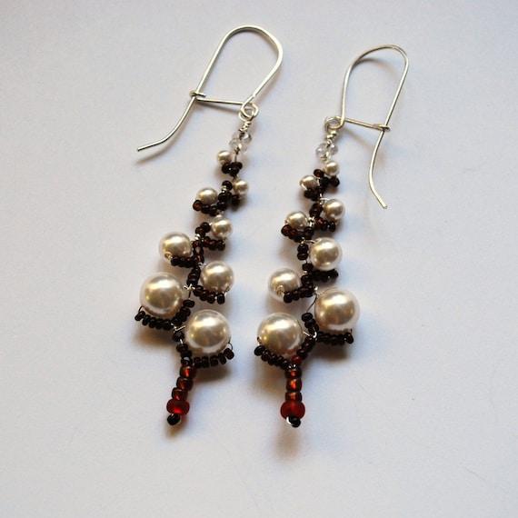 Pearl Twigs  Earrings No. 18 Snowed in - Douglas Fir Tree
