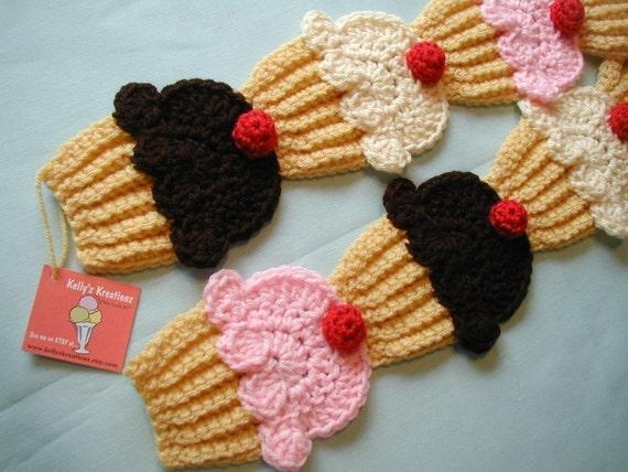 Price reduced The ORIGINAL Neapolitan Strawberry Vanilla Dk.Chocolate Cupcakes Scarf 3D cherry Ships Now