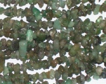 "EMERALD GEMSTONE CHIP Beads -  36"" strand"