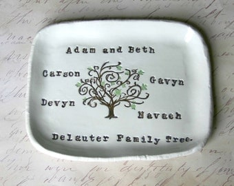 Personalized Family Tree Ring Dish: Anniversary Gift, Family Pottery, Home Decor, Birthday Gift For Her, 9th Anniversary Gift