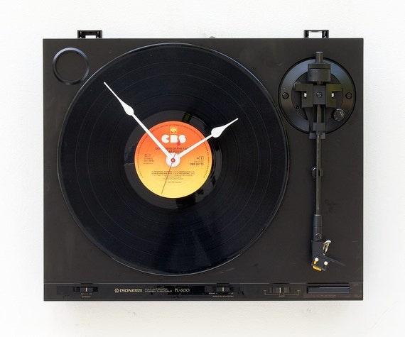 Recycled Pioneer Turntable Clock