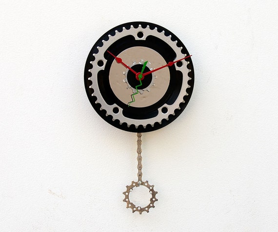 Recycled Bike Chain ring and 45 Record Clock