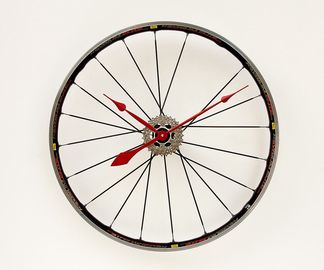 Clock made from a recycled bike wheel by pixelthis on etsy for Making bicycle wheels