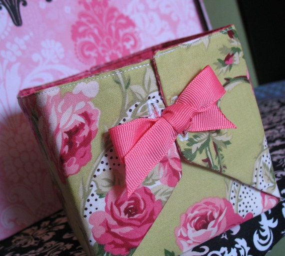 50% OFF - Pink and Green Small Rose Fabric Box
