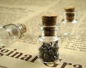 10pcs 18x12mm Clear Glass Tiny Bottle Vials Pendants With Corks / Free EyeHooK HC021